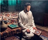 حمادة هلال يشارك جمهوره بصورة من كواليس «المداح»