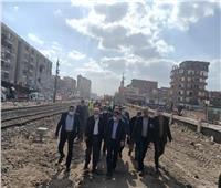 رئيس «السكة الحديد» يتفقد أعمال تطوير محطات وأبراج خط «بنها- بورسعيد»