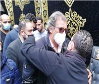 خالد يوسف فى جنازة شقيقه| صور
