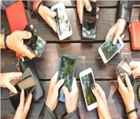 استطلاع: 40% من طلاب الجامعات أدمنوا استخدام الهواتف الذكية