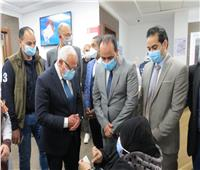بدء تطعيم كبار السن وأصحاب الأمراض المزمنة بلقاح كورونا في بورسعيد