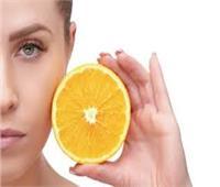 «فيتامين سي» علاج سحري للبقع الداكنة