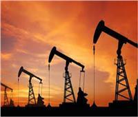مسجلا أعلى مستوياته في أكثر من عام.. النفط يقترب من 70 دولارا