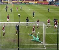 فيديو| أرسنال يهدر الفوز ويتعادل مع بيرنلي بالدوري الإنجليزي