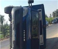 إصابة ٣ خفراء وأمين شرطة في انقلاب سيارة بالبحيرة