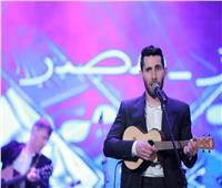عزيز مرقة يشعل أولى حفلاته على مسرح الزمالك بأغنية حكيم «جاني جاني».. صور