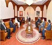 مباحثات الرئيس السيسي في الخرطوم تتصدر اهتمامات الإعلام السوداني