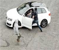 ضبط ٣ مسجلين خطر لسرقتهم سيارة بالوايلي