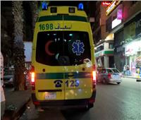 سيارة تصدم شابًا وتفر هاربة في شارع فيصل