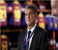 رئيس برشلونة الجديد يعلق على تهمة التحرش بقاصر
