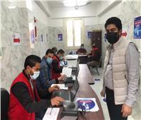 تطعيم 452 مواطنا من كبار السن بلقاح كورونا في الشرقية