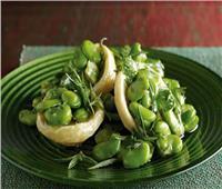«خطوة بخطوة».. طريقة عمل الفول الأخضر بزيت الزيتون