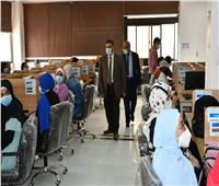 1334 طالبا وطالبة يؤدون الاختبارات الإلكترونية بجامعة القناة