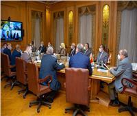 وزير الإنتاج الحربي يناقش مع نظيره البيلاروسي التعاون المشترك