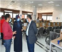 711 طالب يؤدون الاختبارات الإلكترونية للحاسب الآلى بجامعة القناة