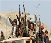 إصابة 7 مدنيين في قصف للحوثيين على مخيم للنازحين بمأرب