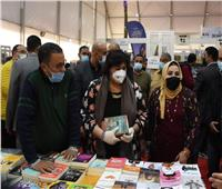 وزيرة الثقافة تتفقد معرض الإسكندرية التاسع للكتاب