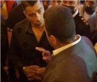 أبرزهم عمر كمال.. منع أصدقاء حسن شاكوش من لقائه أثناء محاكمته