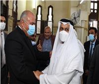 السفير الإماراتي يؤدي صلاة الجمعة بمسجد القنائي ويؤكد على مكانة مصر | صور