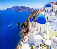 اليونان تفتح مجالها الجوي لإنقاذ السياحة من الانهيار
