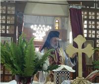 الأنبا توماس يترأس قداس الأحد الرابع بكنيسة العائلة المُقدسة في الفيوم
