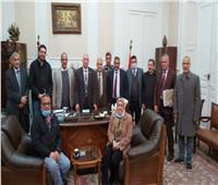 رئيس الجمارك من الأسكندرية: التيسير على المواطن أولوية للمصلحة
