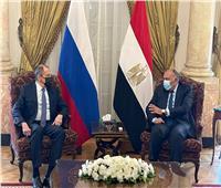 لافروف: بحثنا تطوير روسيا لقطاع سكك الحديد في مصر