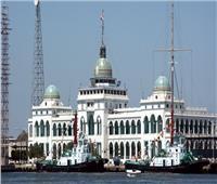رئيس «قناة السويس»: نجهز أسطول قاطرات لعمليات الإنقاذ في الداخل والخارج