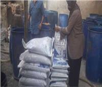 أمن القليوبية يداهم ٥ مصانع وشركات غير مرخصة ويضبط ١٢٢طن مواد غذائية فاسدة