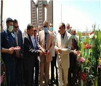 نائب رئيس جامعة الأزهر يفتتح مشتل زهور مركز المنتجات الزراعية