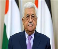 الرئيس الفلسطيني يهاتف عائلة مكرم محمد أحمد معزيًا في وفاته