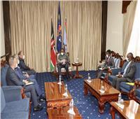 في مستهل جولته الأفريقية.. سامح شكري يلتقي رئيس كينيا