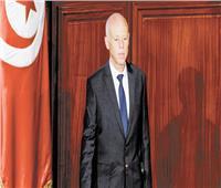 الرئيس التونسى يستشهد بـ«الدستور» ليذكّر أنه القائد الأعلى للجيش