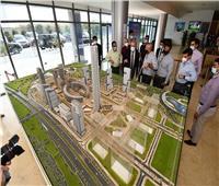وزير الإسكان يتفقد مشروعات بالعاصمة الإدارية الجديدة