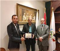 رئيس الأولمبية يستقبل سفير الجزائر بـ «مصر»