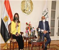 وزيرة الهجرة : زيارة الدارسين بالخارج لمجلس الدولة تهدف لإرساء القانون