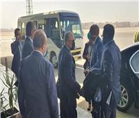 رئيس الاتحاد الأفريقي لكرة القدم يصل مطار القاهرة
