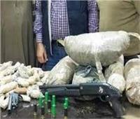 القبض على 32 متهمًا بحوزتهم أسلحة ومخدرات في طوخ بالقليوبية