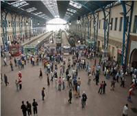 وزير النقل يتفقد محطة مصر ويوجه بتطبيق لائحة الجزاءات على سائق قطار