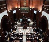 مقترح برلماني بالتطعيم الإجباري لكافة المقيمين بالمدن السياحية  ضد كورونا