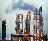 أسعار النفط تنزل عن قمة 6 أسابيع تحت ضغط مخاوف إغلاق الهند والبرازيل