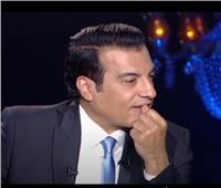 فيديو| بكاء إيهاب توفيق خلال حديثه عن والده في «شيخ الحارة»