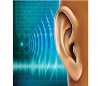 «الصحة» توضح: هل فقدان حاسة السمع عرض جديد لكورونا؟| فيديو