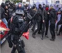 ألمانيا: إصابة أكثر من 50 شرطيا في اشتباكات مظاهرات عيد العمال