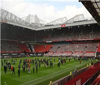ليفربول يعلق على تأجيل مباراة مانشستر يونايتد بعد اقتحام الجماهير الملعب