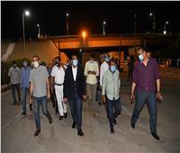 نائب محافظ قنا يفاجئ «حميات نجع حمادي» ليلا للاطمئنان على مصابي كورونا