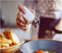 رعب كورونا.. دراسة طبية تحذر من تناول الملح