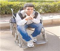 أحمد طالب «التجارة» يكتشف الداء ويعجزه ثمن الدواء