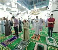 رواد المساجد يشيدون بقرار الحكومة بشأن صلاة عيد الفطر