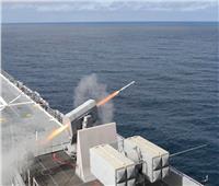 تدريبات بالذخيرة الحية للسفينة الهجومية «ماكين أيلاند» | فيديو